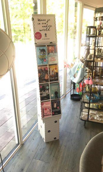 We Hebben Ons Eigen Boekenkastje!